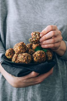 Vegetarian meatballs with chickpeas, quinoa and Mediterranean herbs #meatballs #vegetarian #healthy #foodstyling #foodphotography | TheAwesomeGreen.com