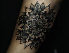 155Mandala_Unterarm_Tattoo_tattooidee.com