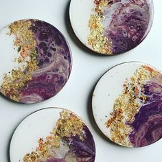 Meet Blanch, Rose, Dorothy, and Sophia. These golden girls are a few of my latest coast to coast coasters. I'm looking forward to the holidays being over so I can focus on some MUCH larger pieces.Resin cutting board and coastersInspiration for draw Diy Resin Art, Epoxy Resin Art, Diy Resin Crafts, Diy Art, Acrylic Pouring Art, Acrylic Art, Creation Art, Resin Artwork, Cute Paintings