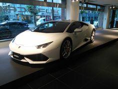 #Lamborghini_Huracan @Azabu dealer