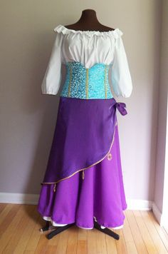 Ladies Esmerelda inspired Gypsy Costume