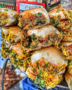 "Wassup Mumbai on Instagram: ""Yummy Delicious Mumbai Dabeli 🤤😋😱😜🔥🔥 . 📍 Ghatkopar, Mumbai by @seebombaymyway . Tag your Dabeli Gang!👇 . Follow @Wassup.mumbai . Use…"""