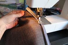 Den lille havtaske: Toilettaske med lomme DIY Patches, Sewing, Make Up, Tutorials, Scrappy Quilts, Dressmaking, Couture, Stitching, Makeup