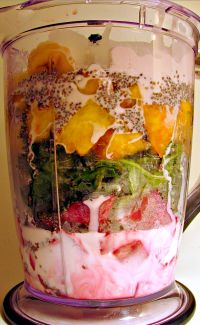 My Sweetheart Smoothie is a healthy smoothie and a great breakfast on the go!!