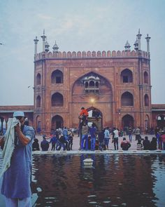 Shah Jama It was built by Mughal emperor Shah Jahan between 1644 and 1656 at a cost of 1 million rupees at that time according to Wikipedia Delhi India, Louvre, Building, Travel, Beautiful, Goa India, Viajes, Buildings, Destinations