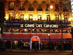 le grand cafe capucines Paris Francia, After Dark, Restaurants, Hotels, Around The Worlds, Street, Chic, Travel, City