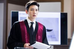 """Ji Chang Wook And Choi Tae Joon Face Off In Court In New """"Suspicious Partner"""" Stills   Soompi"""