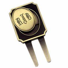 Pocket friendly divot tool with engraved initials ball marker at www.golfthruthegreen.com