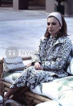 Great Women, Beautiful Women, Pahlavi Dynasty, The Shah Of Iran, Farah Diba, Royal Style, Royal Fashion, Royalty, Hipster