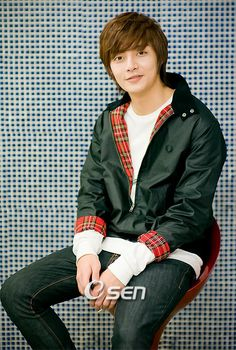kim joon He seems so sweet Boys Before Flowers, Boys Over Flowers, Kim Joon, Asian Actors, Korean Actors, Los F4, Popular Korean Drama, Kim Bum, Korean Star