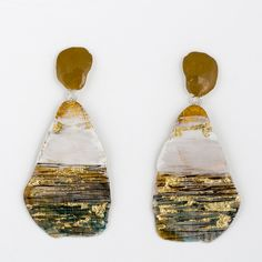 Painted brass earrings by Johanne Ratté @lesjoanneries 2016. #brass #brassjewelry #pendant earrings #gold&greenearrings