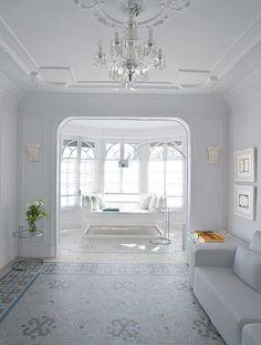 white-apartament-in-barcelona