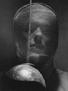Andreas Feininger, fencing mask.