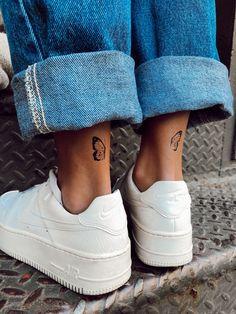 Simplistic Tattoos, Subtle Tattoos, Feminine Tattoos, Pretty Tattoos, Ankle Tattoos For Women, Best Tattoos For Women, Back Of Ankle Tattoo, Cute Ankle Tattoos, Wörter Tattoos