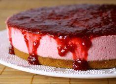 Framboesa e ricota estão no recheio deste cheesecake