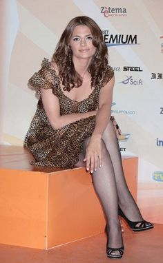 Olivia Wilde Bikini, Stana Katic Hot, Celebrity Feet, Celebrity Pictures, Famous Women, Sexy Legs, Pretty Woman, Personal Style, Actresses