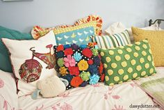 Cottage of the Week: Classy Clutter 2 tours in 1 - The Cottage Market Diy Pillows, Throw Pillows, Cushions, Sewing Pillows, Nordstrom Home, Cute Desk, Rugs Usa, Cushion Fabric, Teen Bedroom