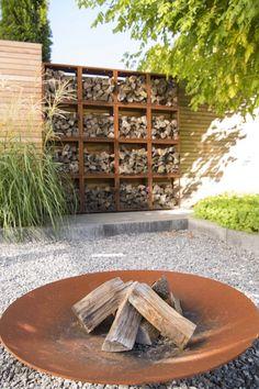 Backyard Garden Design, Backyard Fences, Garden Landscape Design, Backyard Landscaping, Fence Garden, Diy Fence, Fence Ideas, Garden Beds, Yard Ideas