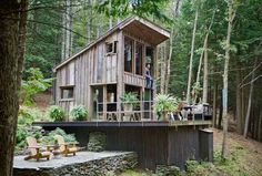 This stunning off the grid cabin in the woods is owned and designed by fashion stylist and interior designer Scott Newkirk as a weekend summer getaway in Yulan, New York. The 300 square foot house has no electricity or running water, no TV, no computer. Here he can slow down, sleep late, and take his …