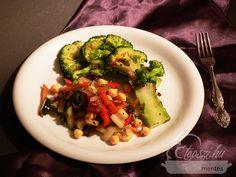 Brokkoli steak, csicseris zöldségraguval Vegetables, Food, Essen, Vegetable Recipes, Meals, Yemek, Veggies, Eten