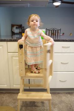 Easy Carpentry Projects - Let your little one safely help in the kitchen! Easy Carpentry Projects - Get A Lifetime Of Project Ideas and Inspiration! Small Woodworking Projects, Woodworking Shows, Carpentry Projects, Easy Wood Projects, Popular Woodworking, Woodworking Furniture, Teds Woodworking, Woodworking Crafts, Diy Furniture