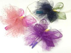 Kids Crafts: Clothespin Fairies Bows - fun to make at a little girls Birthday party:) Maybe as a fairy hunt. Fairy Crafts, Fun Crafts, Crafts For Kids, Craft Kids, Children Crafts, Creative Crafts, Christmas Fairy, Christmas Crafts, Christmas Ornaments