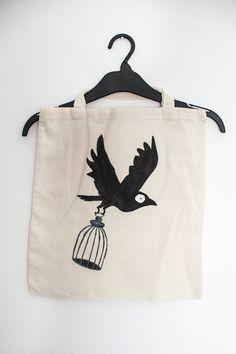Ptaszysko z klatką - torba eko malowana ręcznie w Mystic Machine na DaWanda.com