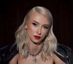 "Andreea Balan: ""Nu m-am imaginat niciodata in postura de mama singura"" - Andreea Raicu Georgia, Game Of Thrones Characters, Lifestyle, Artist, Artists"