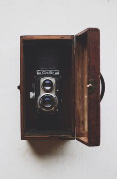 vintage camera in gorgeous wooden case #vintage #camera