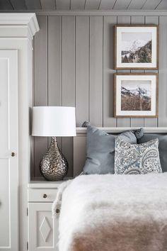 Kontinental fjellhytte – B&B Studio interiørarkitekter / bandbstudio.no / Nina Bjørland og Ane Bernthon Furniture, Inspired Homes, Interior, Bedroom Makeover, Elegant Homes, Home Decor, Home Deco, Interior Design, Nordic Decor