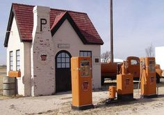 vintage gas stations   Old Gas Station 60 - View Picture - Motorbase