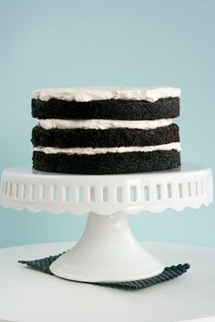 How to Assemble a Layer Cake - Whisk Kid Cupcake Recipes, Cupcake Cakes, One Layer Cakes, Bakers Gonna Bake, Chocolate Dreams, Small Cake, Cake Decorating Tutorials, Elegant Cakes, Eat Dessert First