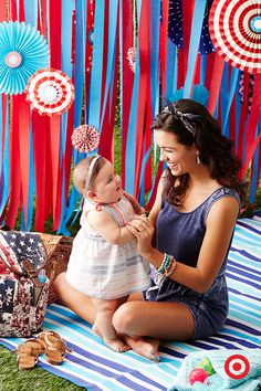 Create those special moments with your little girl this Independence Day with coordinating red, white and blue outfits. These Americana looks are available only at Target, and include mix-and-match prints, patterns and solids, perfect for all-day play. Teen Girl Outfits, Blue Outfits, Children Outfits, Baby Pictures, Baby Photos, Chunky Babies, Independance Day, Target Baby, Baby Fashionista
