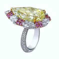 A 20.87-carat pear-shaped fancy yellow diamond mounted on Nirav Modi's 'Soleil' ring NIRAV MODI  #niravmodi   #yellowdiamond