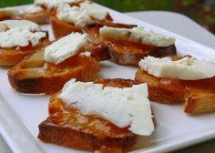 Blue Cheese and Peach Chutney Crostini | Noble Pig