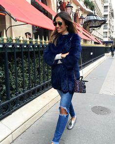 """""""{Flanar: do francês flâner. Andar sem destino. Passear ociosamente. Sem rumo, nem destino certo} ❤️ #paris"""