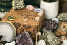 Cratejoy is the best place to shop for monthly subscriptions. Crystal Box, Crystal Magic, Monthly Subscription Boxes, Polymer Clay Animals, Polymer Clay Miniatures, Stones And Crystals, Natural Crystals, Healing Crystals, Last Minute Gifts