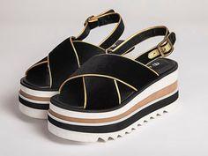 44 Platform Summer Sandals To Copy Now Best Summer Shoes, Summer Sandals, Beaded Sandals, Sandals Outfit, Flip Flop Shoes, Trendy Shoes, Shoe Closet, Platform Shoes, Fashion Shoes