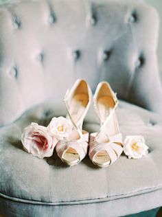 Vintage Inspired Bridal Shoes | Zosia Zachariah Photography | http://heyweddinglady.com/modern-war-and-peace-wedding-inspiration-blue-silver/