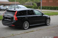 A clean looking Volvo V50 R-design (2011).