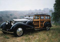 1933 ROLLS-ROYCE PHANTOM II WOODY ESTATE WAGON Rolls Royce Phantom, Photo Vintage, Vintage Cars, Antique Cars, Vintage Ideas, Automobile, Woody Wagon, Rolls Royce Cars, Classy Cars