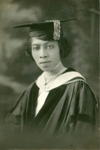 cartermagazine: Today In History 'Eva Beatrice Dykes became the first Black woman to meet the requirements for a Ph. on this date March Dykes attended Radcliffe College in Massachusetts. Tilda Swinton, Maria Callas, Today In History, Women In History, Ancient History, Black History Facts, Black History Month, Elizabeth Taylor, Brigitte Bardot