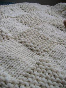 Lavori a maglia, 10 modelli per una copertina da bimbo. facile   diLanaedaltrestorie