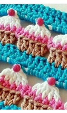Cupcake Crochet Stitch and Cupcake Case [Free Pattern and Video Tutorial] Cupcake Crochet, Crochet Diy, Love Crochet, Crochet Crafts, Yarn Crafts, Crochet Flowers, Diy Crafts, Crochet Owls, Crochet Stitches Free
