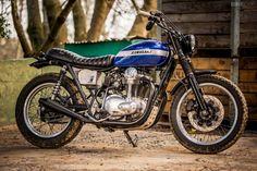 Fantastic looking Kawasaki W650 Scrambler.   Kawasaki W650 SC Rambler by Wes Reyneke of Rather Be Riding. via BikeExif