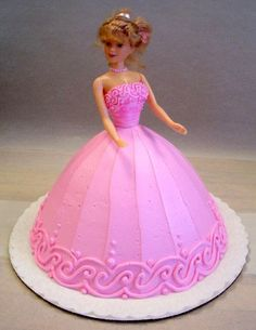 several doll cakes here