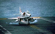 A4 Skyhawk aircraft carrier landing Navy Aircraft, Aircraft Photos, Military Jets, Military Aircraft, The Art Of Flight, Australian Defence Force, Navy Day, Royal Australian Navy, Naval History