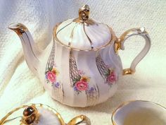 Quite vintage c.1940s and RARE Sadler 2757 teapot by BuyfromGroovy