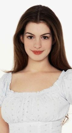 Anne Hathaway Young, Actriz Anne Hathaway, Emily Foxler, Anne Hattaway, Samantha Pics, Beautiful Young Lady, Soft Makeup, Catherine Zeta Jones, Cute Girl Face