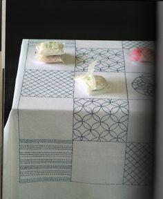 ATELIER # 8 Nappe Sashiko Free tutorials : Agnès Delage-Calvet Broderies : leçons interactives avec vidéos , kits, grilles , objets brodés, ...